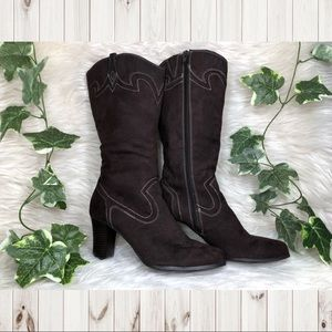 Shoes - 🤠Country Heeled Boots!🤠